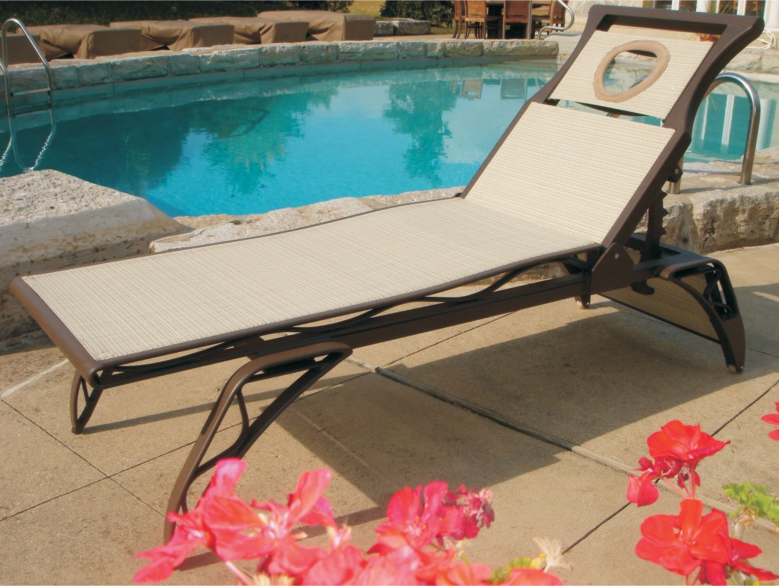 store patio hampton buy modern chaise cast cabanacoast table our aluminum lounge extendable from furniture at shop